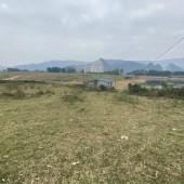 Bán đất bám mặt hồ Đồng Chanh, ranh giới rõ ràng, đã có cổng và tường bao quanh. LH: 0988681666